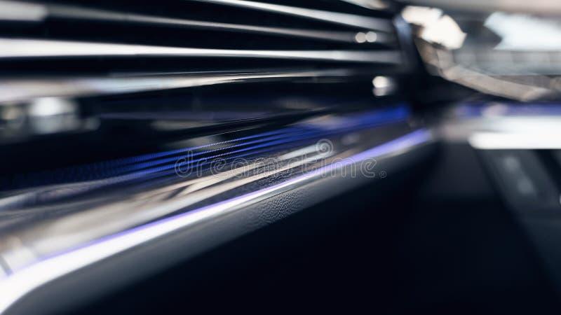 Modern autobinnenland Zachte nadruk Modern auto verlicht dashboard De luxueuze cluster van het autoinstrument stock afbeelding