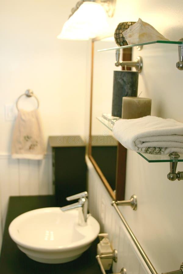 Download Modern badrum fotografering för bildbyråer. Bild av dekor - 123027