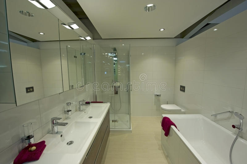Modern badrumdetalj royaltyfria foton