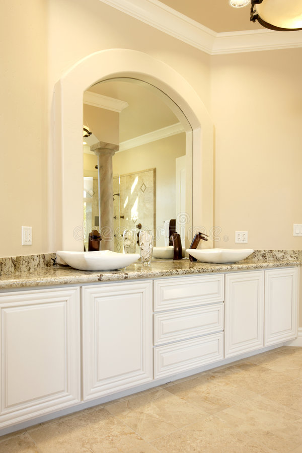 Free Modern Bathroom Royalty Free Stock Photography - 8193737