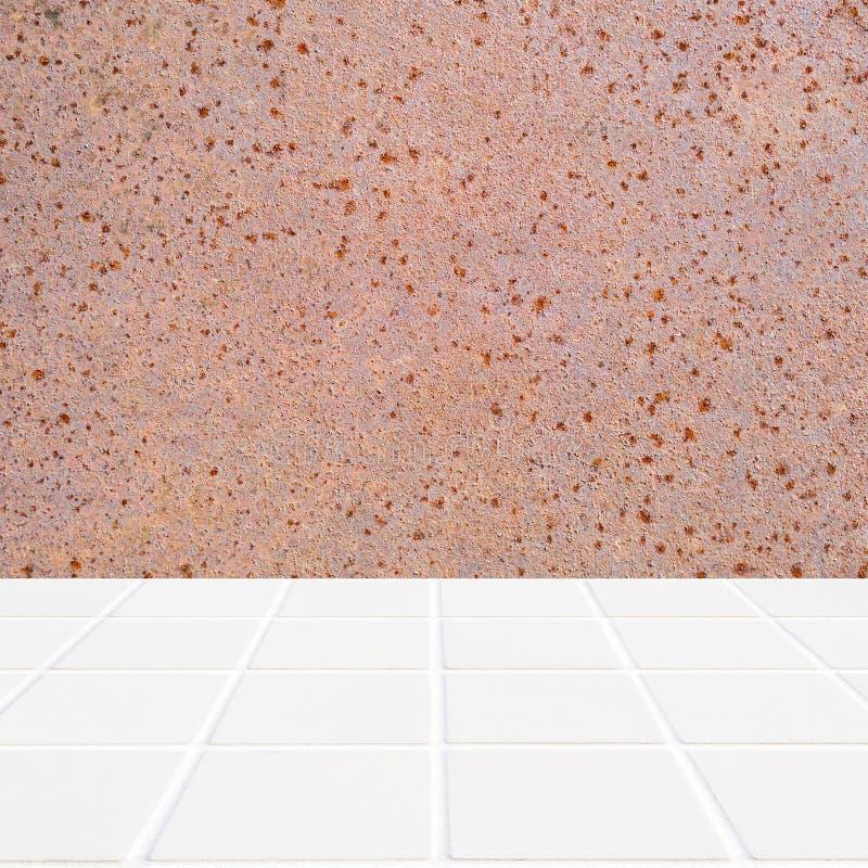 Modern beige die mozaïek met de muur van roestige structuur wordt gemaakt stock afbeeldingen