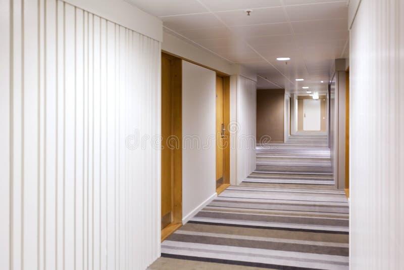 Modern binnenlands ontwerp van de gang royalty-vrije stock afbeelding