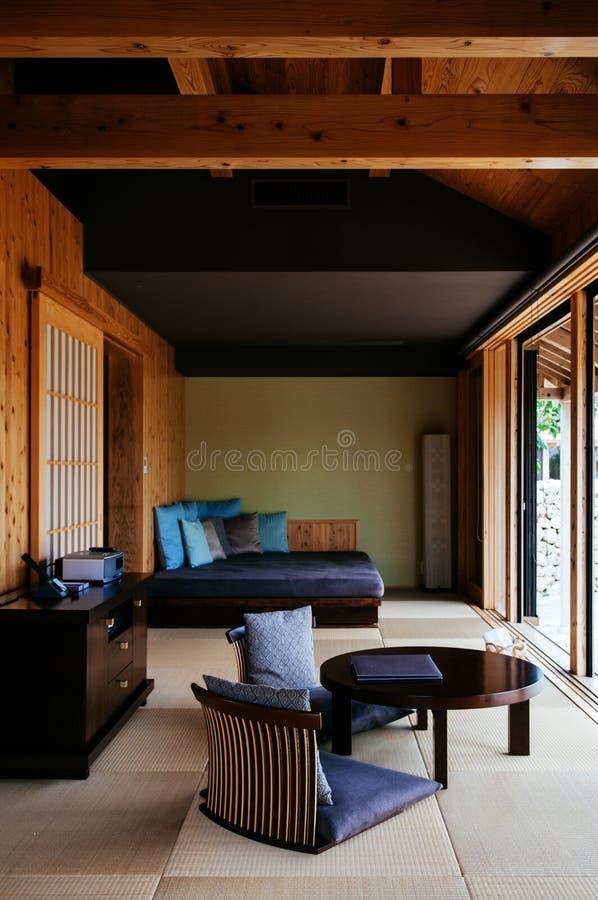 Modern modern bosatt rooom för japansk stil arkivfoton