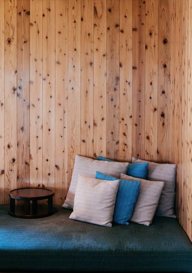 Modern modern bosatt rooom för japansk stil royaltyfria foton