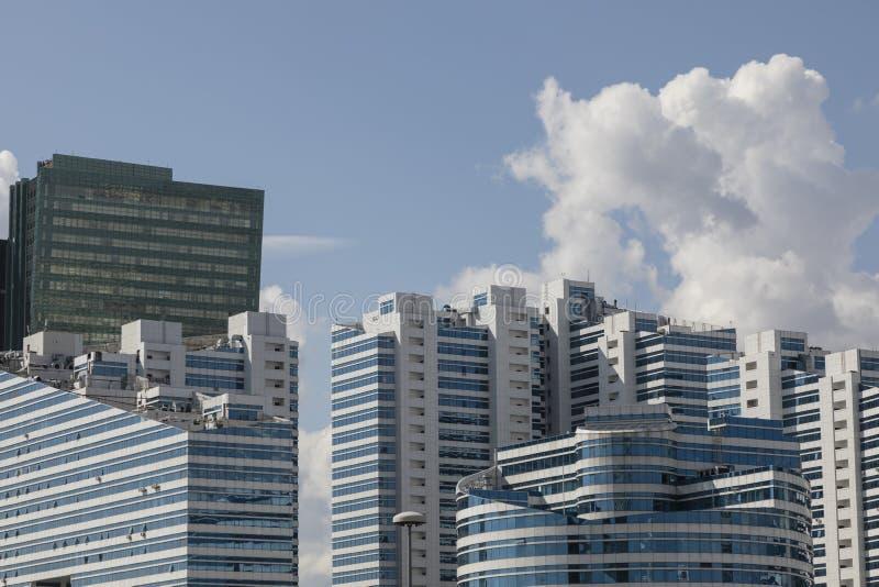 Modern bostads- och kommersiell byggnad i mitten av Astana fotografering för bildbyråer