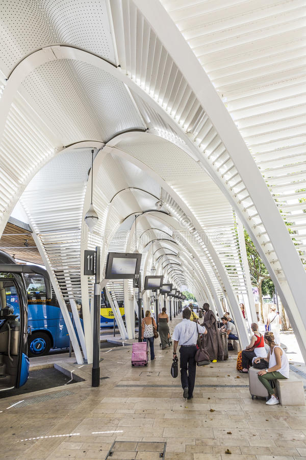 Modern busstation Gare Routiere in Aix en Provence royalty-vrije stock afbeelding