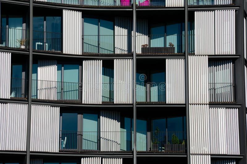 Modern byggande fasad på den Euskadi fyrkanten royaltyfri foto