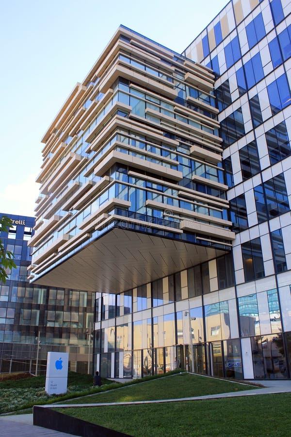 Modern byggnad för Apple kontor i Herzliya, Israel royaltyfria bilder