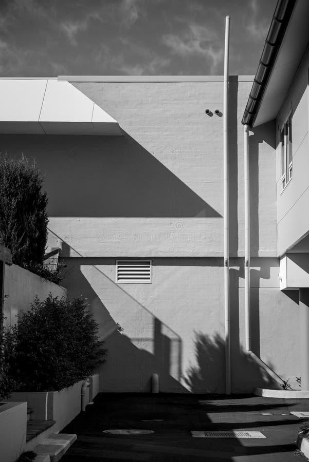 Modern byggnad för arkitekturdetalj arkivbild