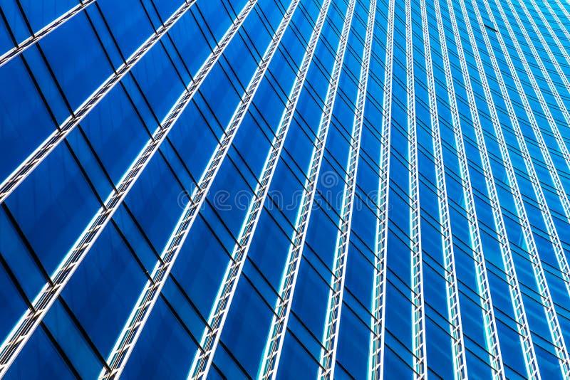 Modern byggnad för skyskrapa för affärskontor fotografering för bildbyråer