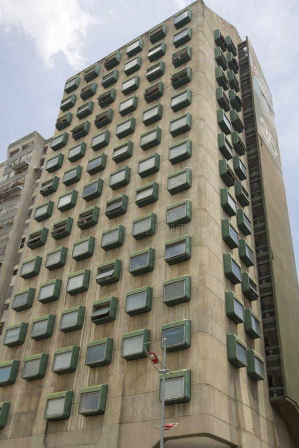 Modern byggnad i Cararas, Venezuela royaltyfria foton