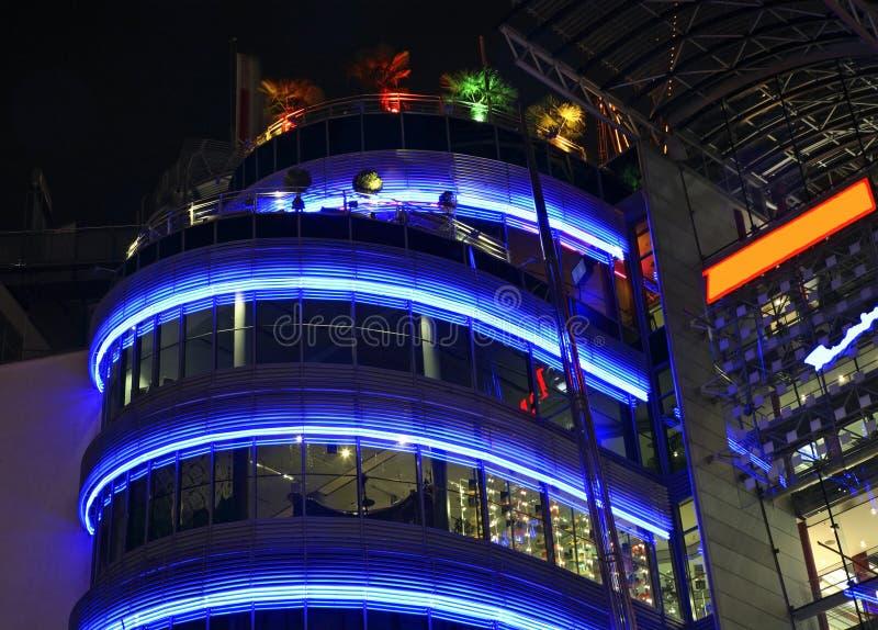 Modern byggnad i Frankfurt - f.m. - strömförsörjning germany royaltyfri fotografi