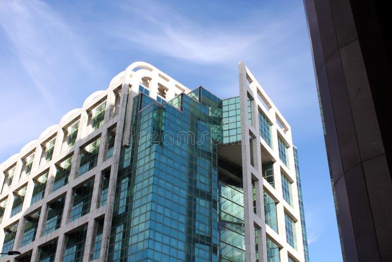 Modern byggnad i Montevideo royaltyfri bild