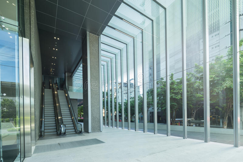 modern byggnadsrulltrappa arkivbilder