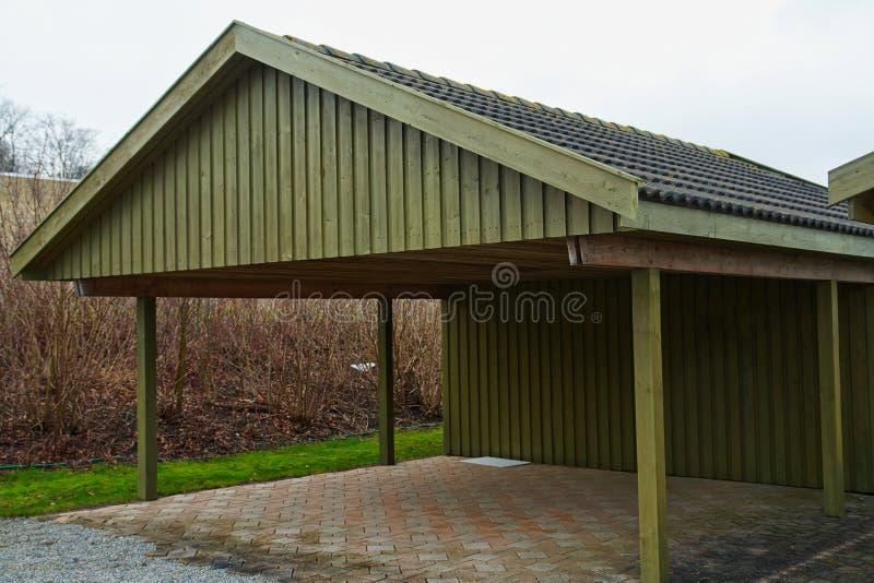 Moderner Carport modern carport car garage parking stock image image of estate