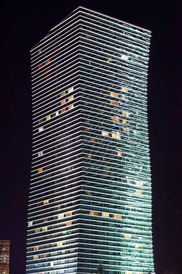 Modern de high-rise de bouwnacht astana kazachstan stock afbeelding