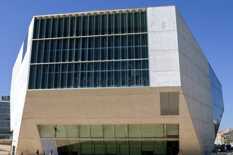 Modern die Muziektheater in Porto door Rem Koolhaas wordt gebouwd stock afbeelding