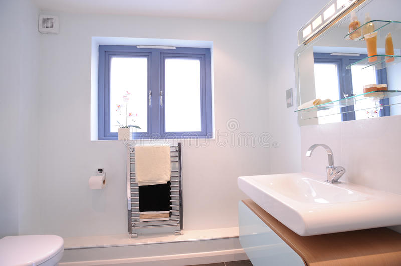 Modern ensuite bathroom. A contemporary designer ensuite in a new property development royalty free stock images