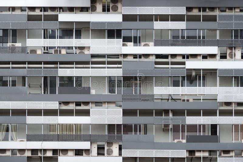 Modern fasad i stadens centrum Kuala Lumpur, Malaysia, Hong Kong lägenhetstil, Asien för bostads- byggnad arkivfoto