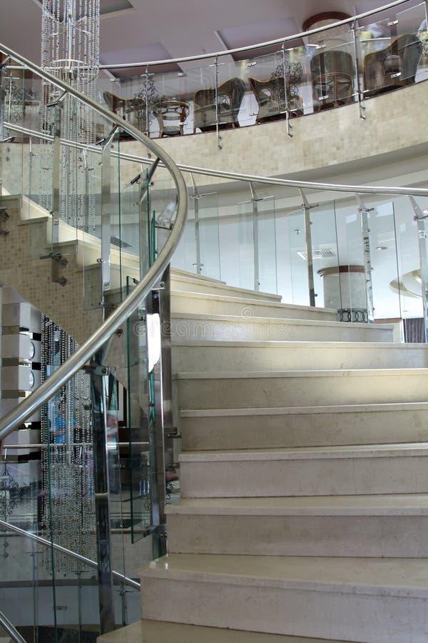 Modern glass trappuppgång för närbild royaltyfria bilder