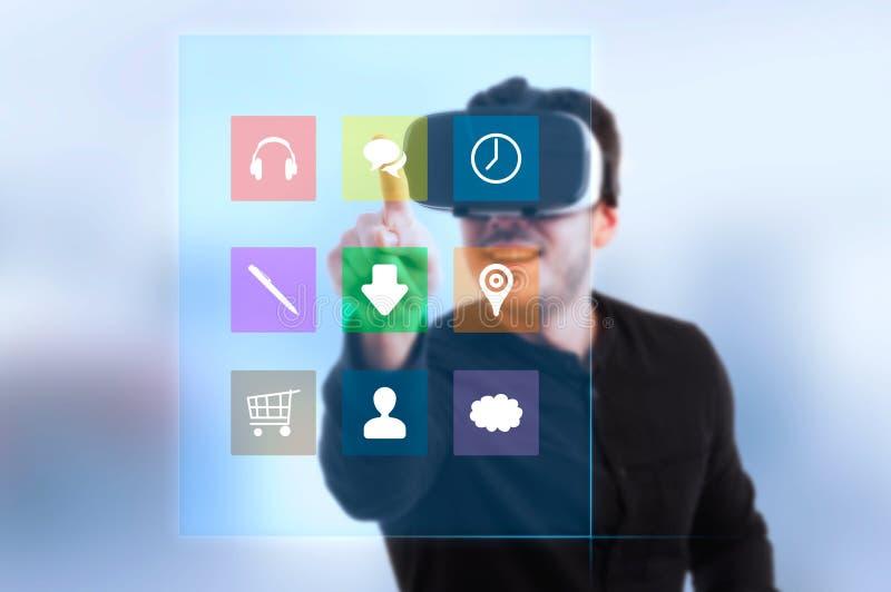 Modern grabb som bär exponeringsglas för hörlurar med mikrofon 3d royaltyfria bilder