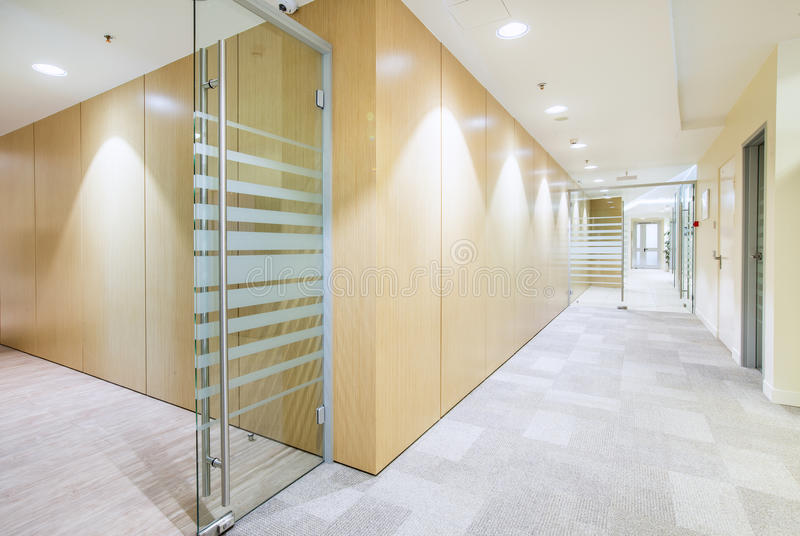 Modern helder bureau minimalistic binnenland royalty-vrije stock fotografie