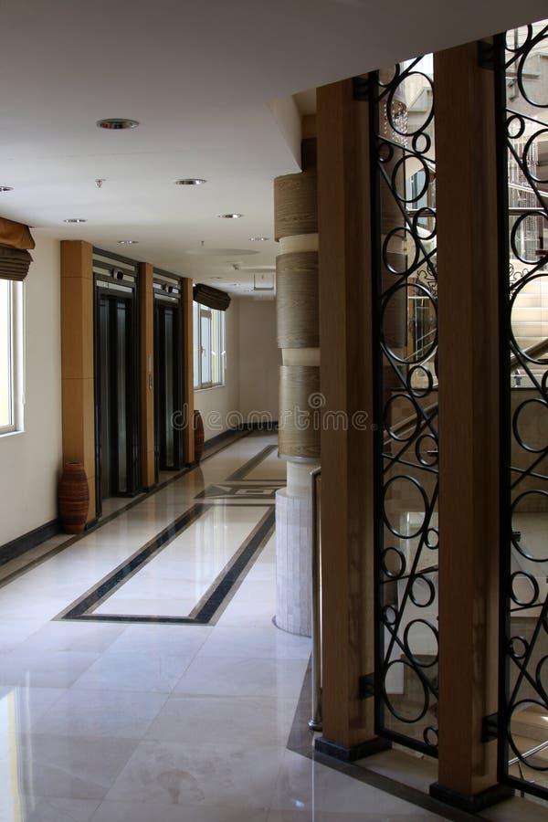 Modern hiss och korridor arkivfoto