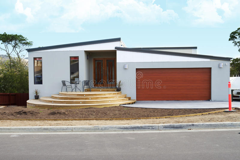 Download Modern Home Royalty Free Stock Photo - Image: 18891755