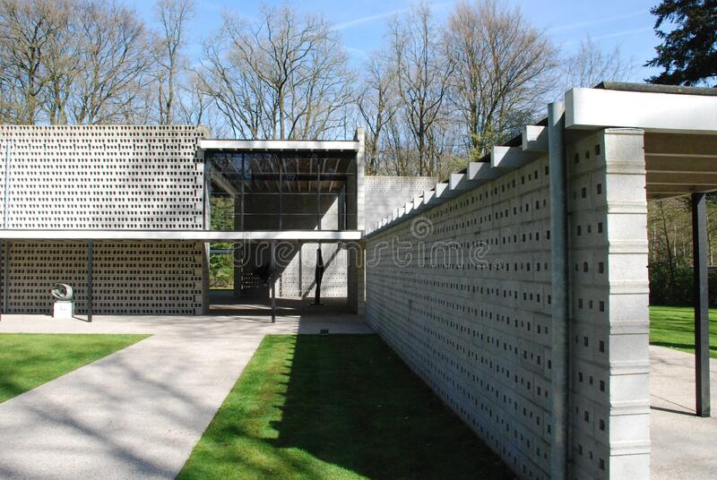 Modern Home And Yard Free Public Domain Cc0 Image
