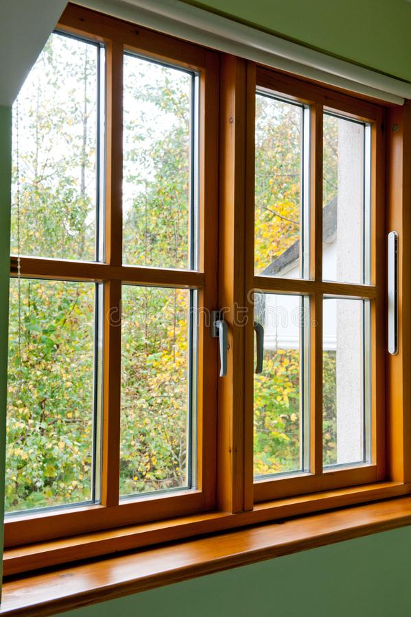 Modern Houten venster royalty-vrije stock foto's