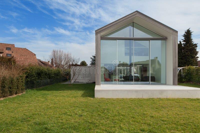 Modern huis, buitenkant royalty-vrije stock foto's