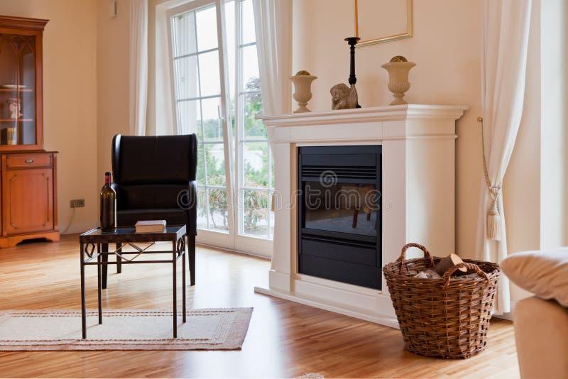 Modern huis, woonkamer royalty-vrije stock foto