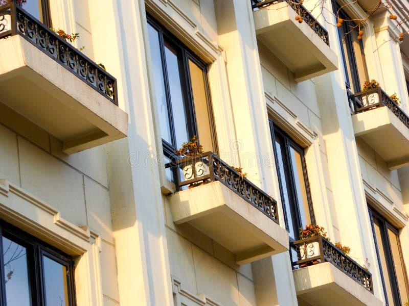 Modern husfönsterbräda i Shanghai arkivbilder