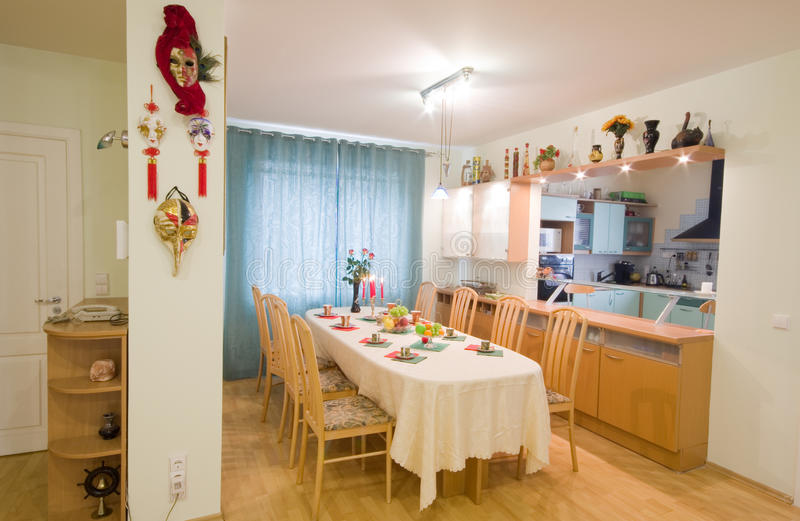 Modern keukenbinnenland royalty-vrije stock foto