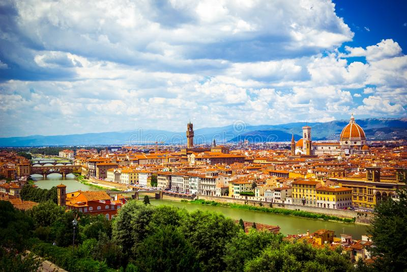 Modern kleurrijk satellietbeeld Florence Firenze op blauwe achtergrond Beroemde Europese reisbestemming Mooie architectuur italia stock foto
