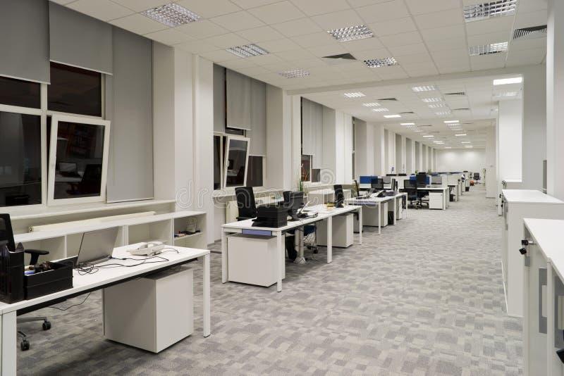 Modern kontorsinre arkivfoto