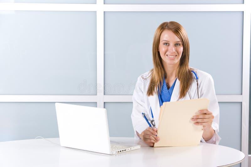 modern kontorskvinna för doktor royaltyfri foto