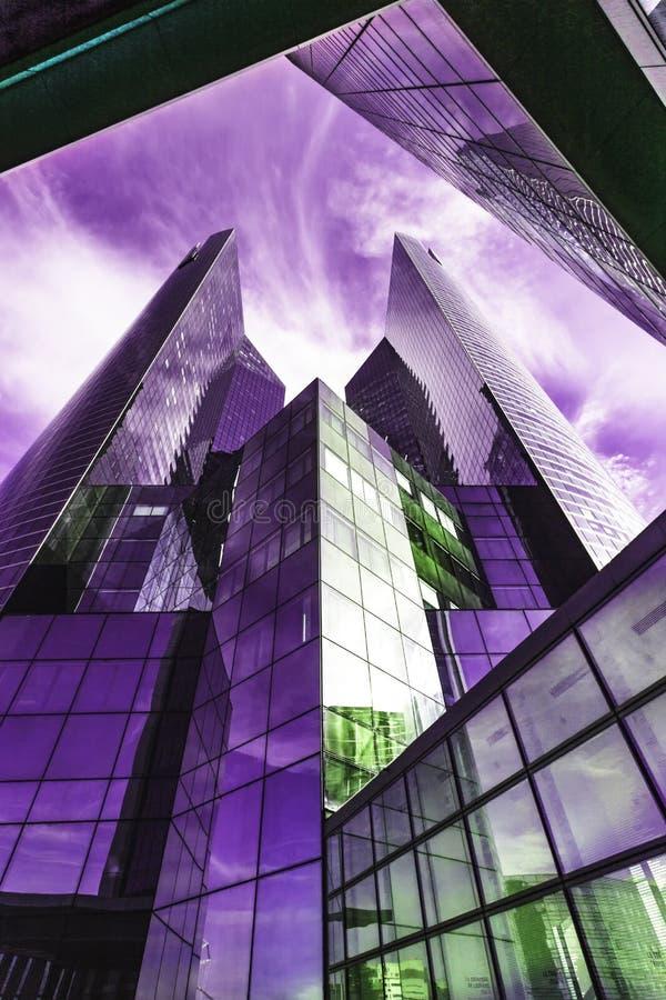 Modern kubikbyggnad arkivfoto