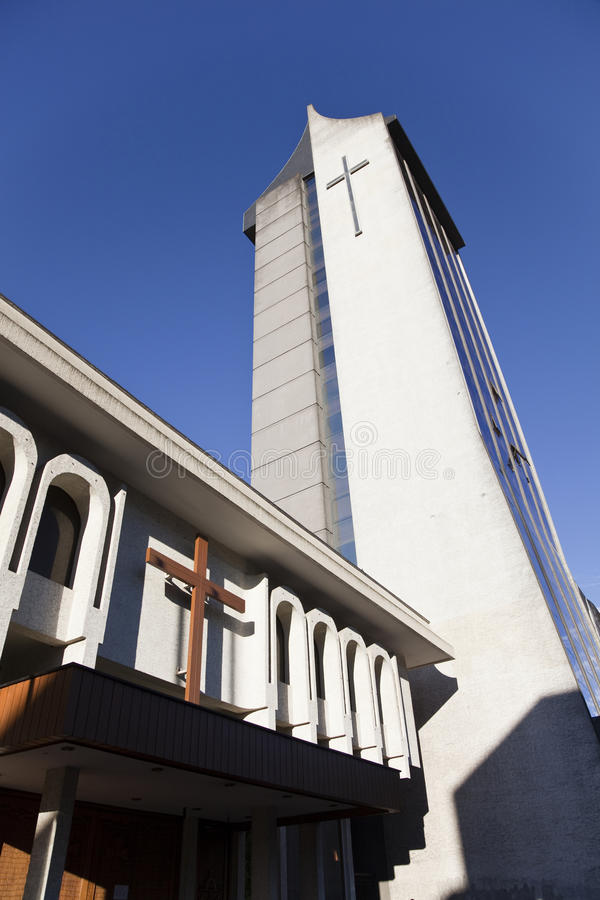 Modern kyrka på Temuco. royaltyfri fotografi