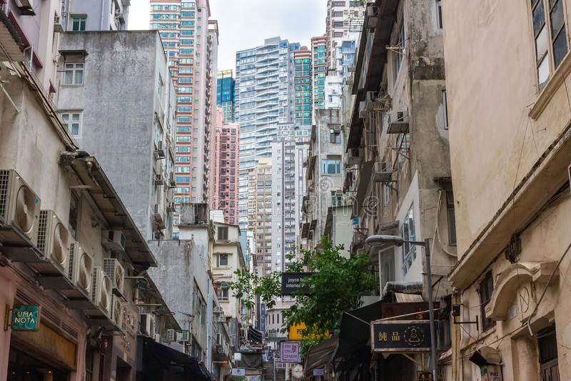 Modern lägenhet och gamla byggnader i Soho, Hong Kong arkivbild