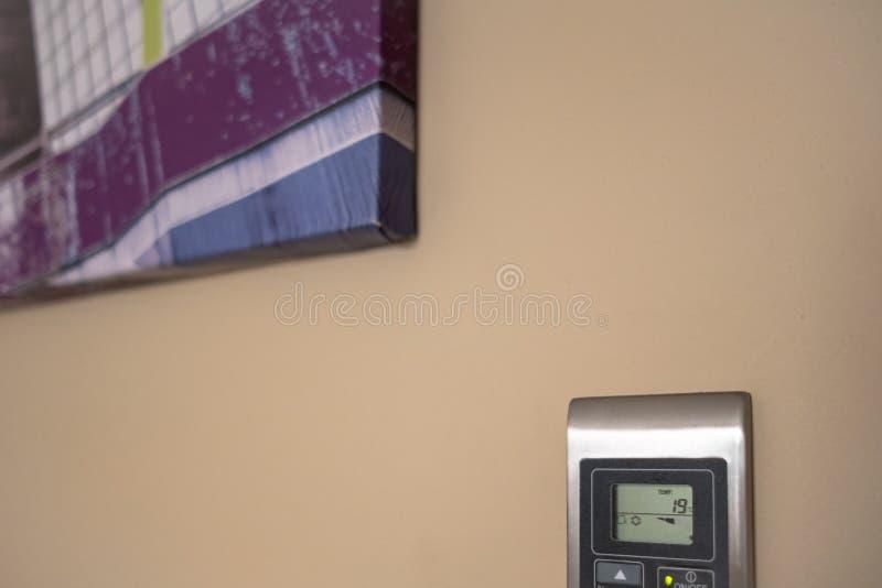 Modern, LuftbetrugFunktionstastatur gesehen innerhalb einer modernen, Luxuswohnung stockfotos