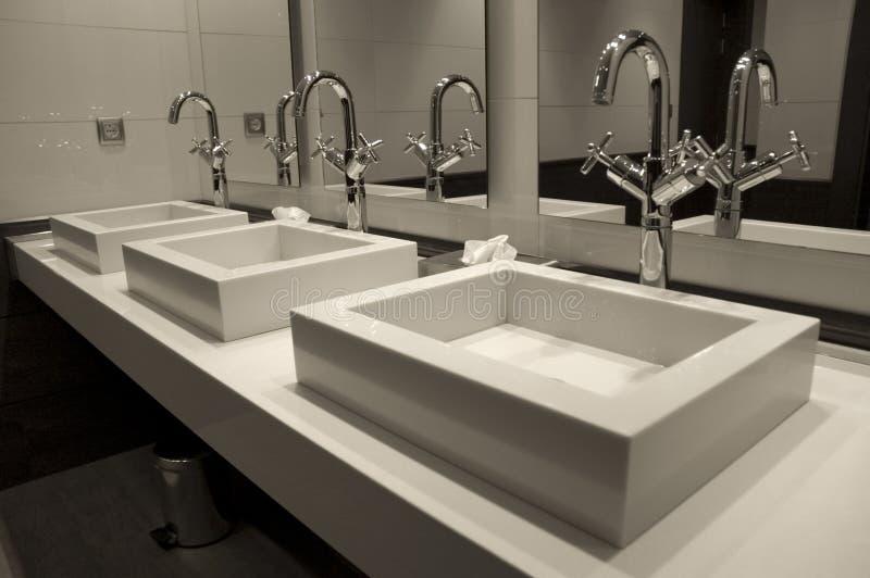 Modern luxury bathroom royalty free stock photography