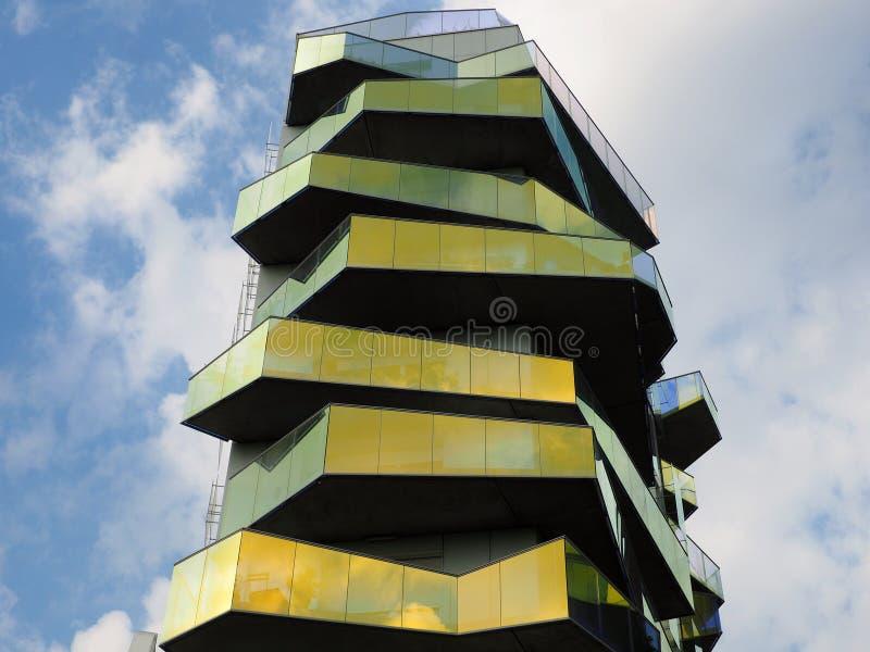 Modern och djärv konstruktion i Paris arkivbilder
