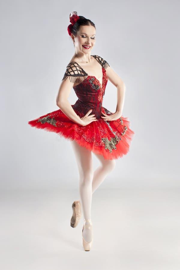modern posera studiostil för dansare arkivbild