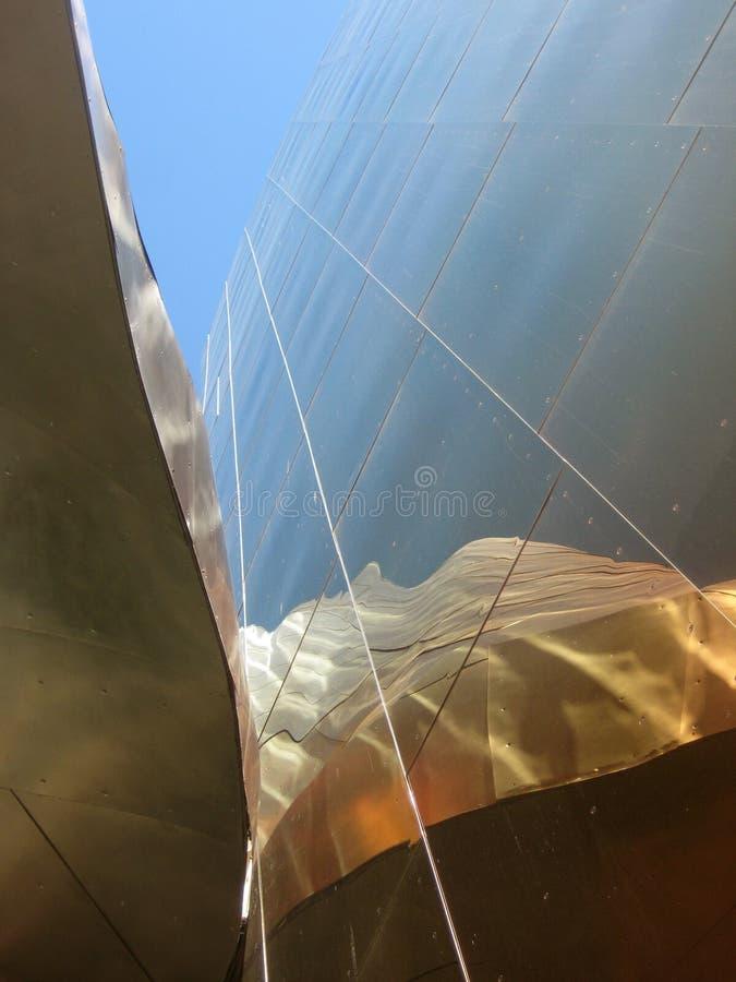 Modern rostfritt stålarkitektur på EMPEN Mus arkivfoto