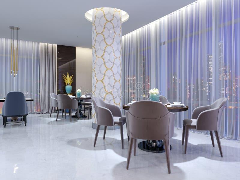 Modern rund tabell i hotellrestaurangen, för fyra personer, med läderstolar och en tjänad som trätabell En tabell nära ett stort stock illustrationer