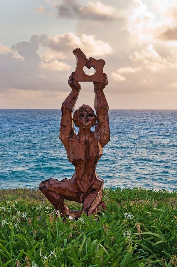 Modern skulptur på Isla Mujeres, Mexico royaltyfri bild