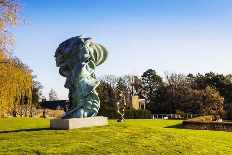 Modern skulpturutläggning på YSPEN royaltyfri fotografi