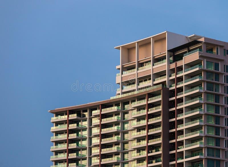 modern sky för blå byggnad fotografering för bildbyråer