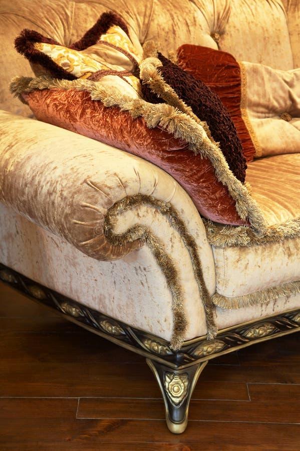 modern sofa arkivfoto